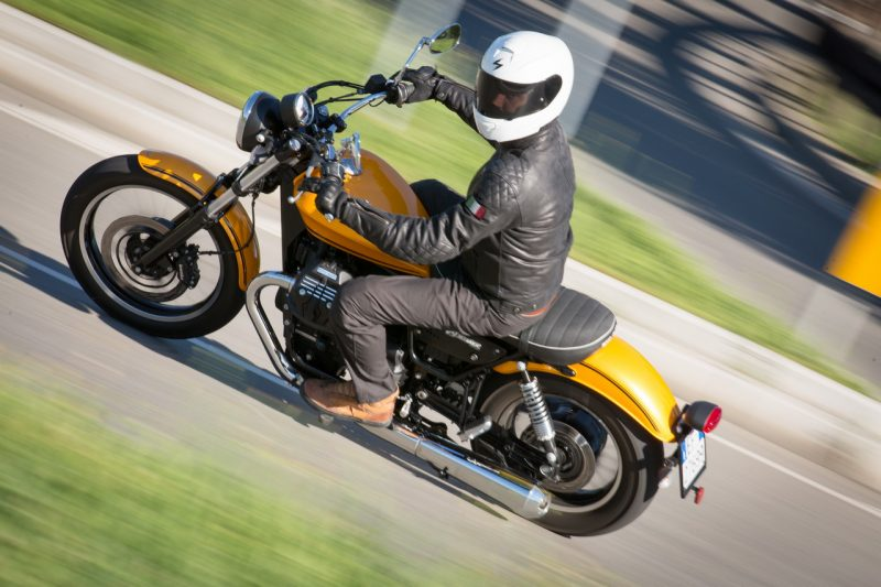 moto guzzi v9 roamer: the test ride - motorlands