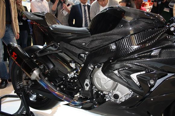 bmw hp4 race made of carbon fiber 1