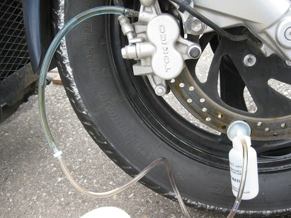 How Do You Bleed Brakes >> How To Reverse Bleed Motorcycle Brakes Here Are Our Suggestions