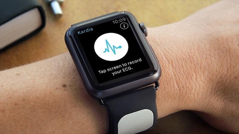 Apple Watch and KardiaBand